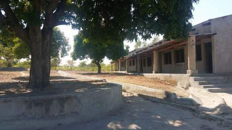 school side view classrooms
